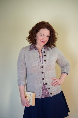 Inlet (a crew-neck cardigan)